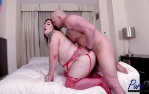 BBW Canadian tranny babe will do anything for chips