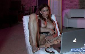 Jasmine Jewels playing with her hard cock just for you